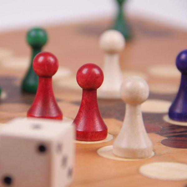 Würfelspiel – Gesellschaftsspiel - Gesellschaftsspiel aus Holz